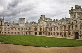 Windsor-Castle-Courtyard